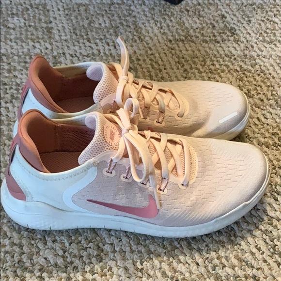 Nike Shoes - NIKE Free RN